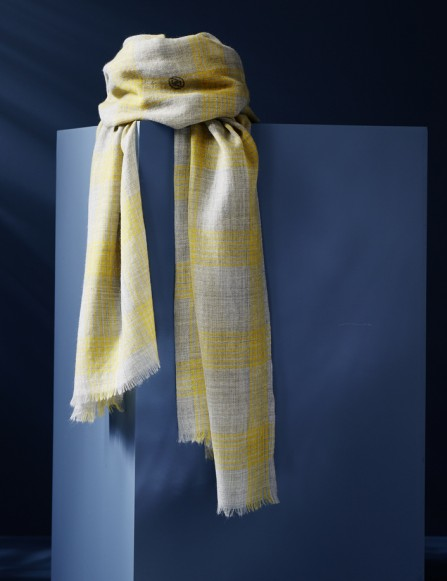 écharpe homme gris jaune