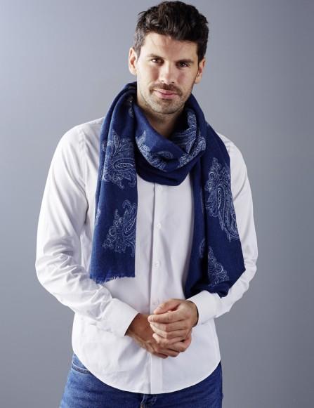 Chèche bleu homme, intemporel chic, écharpe laine bleu
